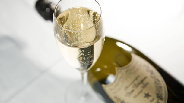 sekt-champagner-ist-ein-edler-tropfen-der-nicht-teuer-sein-muss-